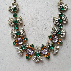NWOT Ivy Statement Crystal Necklace Floral